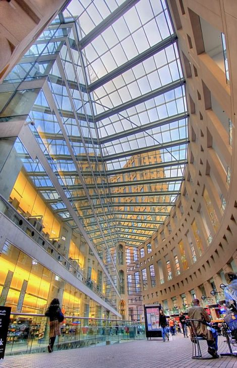 The Central Public Library in Vancouver, Canada. http://www.miragebookmark.ch. Photography by lightgazer - Flickr.com